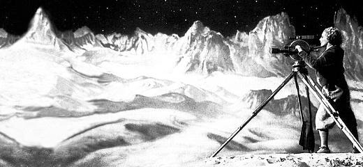 1936_2323_kopfbereich_FrauimMond