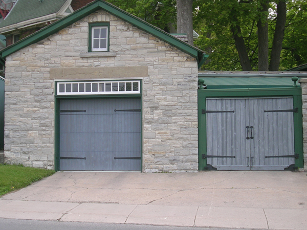 Posted at 0150 AM in Doors | Permalink & Plenty of Nothing: Doors of Kingston Ontario