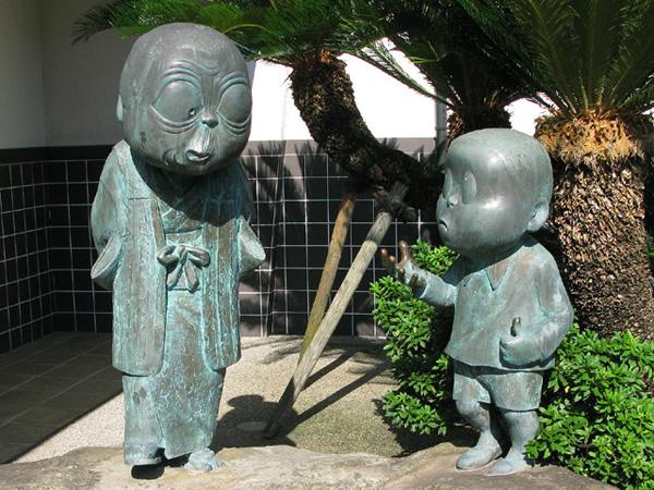 Sakaiminato_Mizuki_Shigeru_Memorial_Hall_Nonnonba-to-ore_Statue_1
