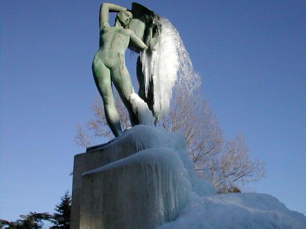 Fontana_ghiacciata