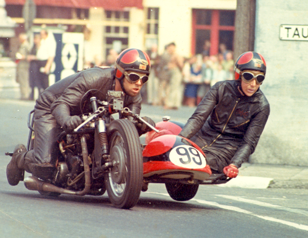 Sidecar-racing-1
